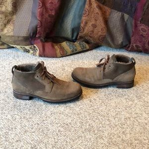 Ugg tan suede Brompton chukka sheepskin boots 9.5